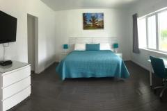 Studio-1-king-bed-2