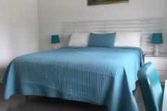 Studio-1-king-bed-3